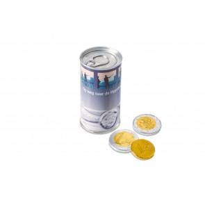 Easy opening blikje in zilver, gevuld met ca. 100g chocolade Geld. De blikje wordt voorzien van een Euroskala bedrukte Bandarole. levertijd ca. 3 weken na goedkeuring, houdbaarheid 12 maanden
